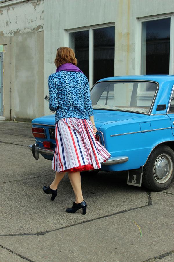 50ies_Style_Mustermix_angie_modeverliebt_FashionFotoContest_Rückenansicht